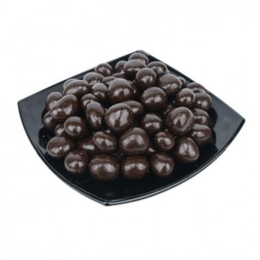 Клубника в темной шоколадной глазури