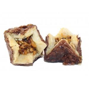 Пахлава розочка с грецким орехом в шоколадной слойке